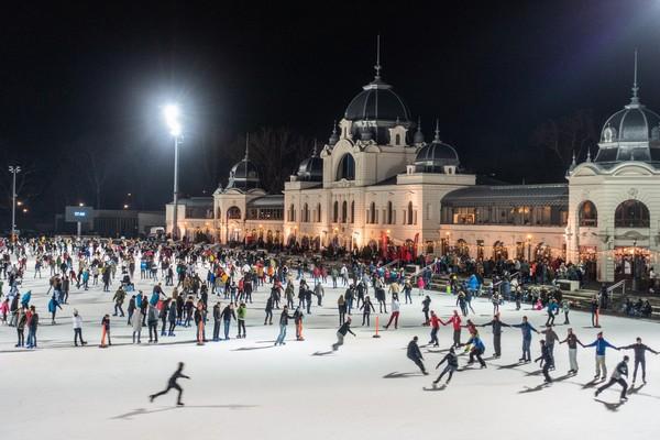 Origineel overnachten Boedapest winter