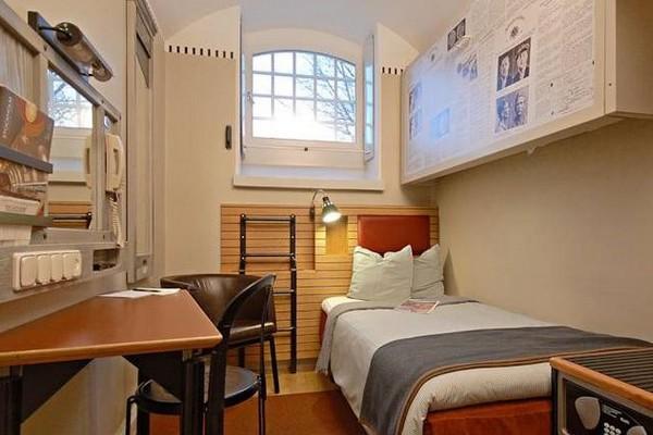 origineel overnachten gevangenis stockholm (5)