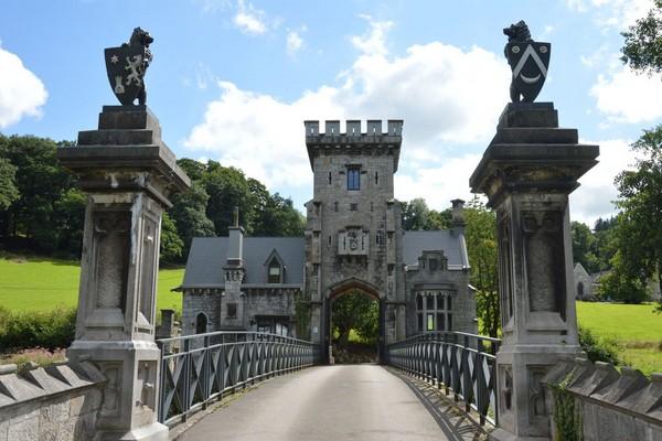 origineel overnachten kasteel poort Pepinster