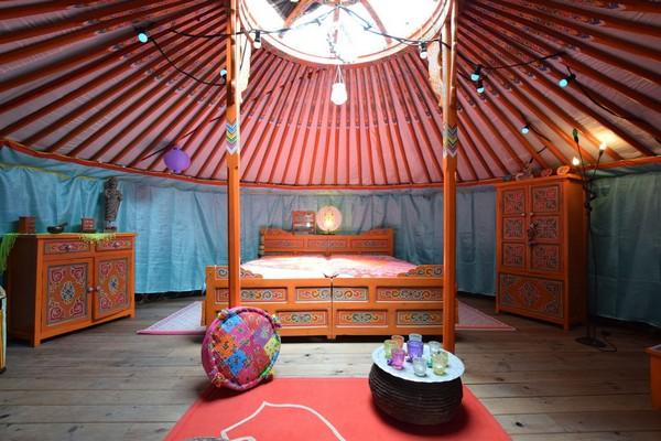 origineel overnachten yurt houffalize