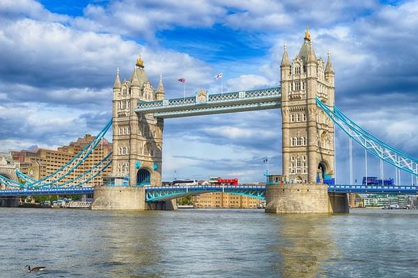origineel overnachten Londen Tower Bridge