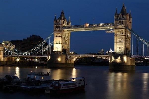 origineel overnachten Londen boot theems