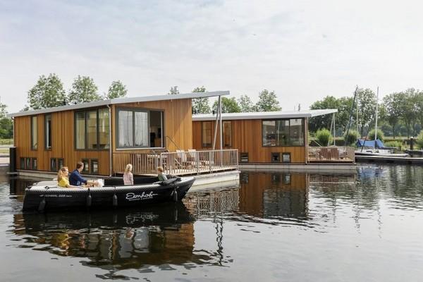 origineel overnachten boot Nederland Center Parcs
