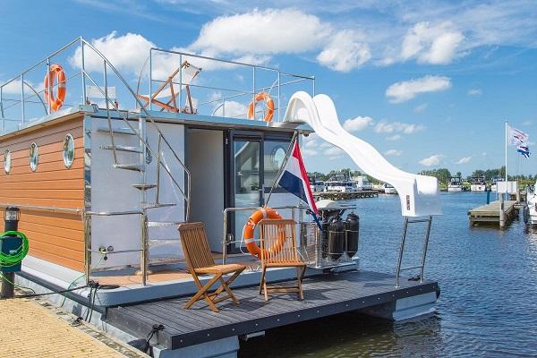 origineel overnachten friesland boot