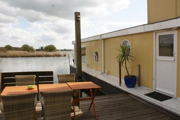 origineel overnachten boot Nederland Ijsselmuiden