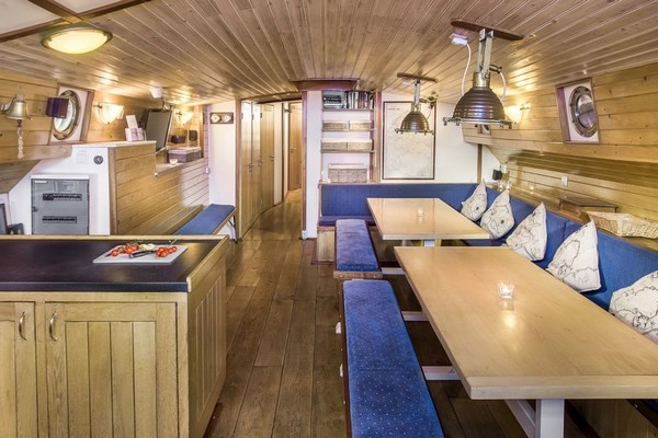 origineel overnachten boot Nederland Zwartsluis