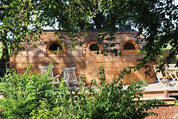origineel overnachten friesland tiny house