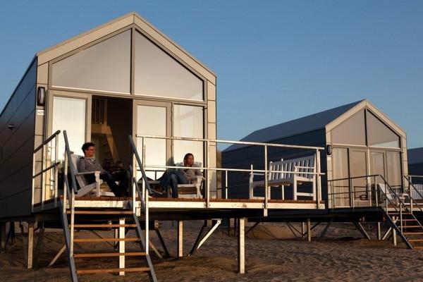 origineel overnachten strandhuis julianadorp strand