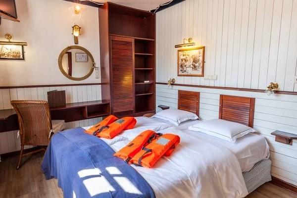 origineel overnachten boot brugge (4)
