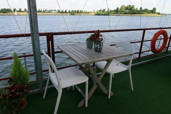 origineel overnachten boot limburg (7)