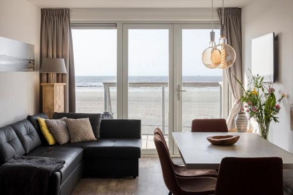 uniek overnachten strand nederland