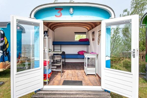 tiny wagon house ijmeer water