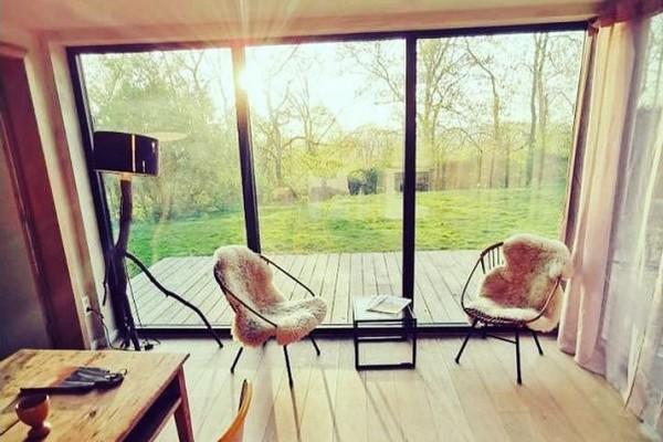 tiny house belgie heuvelland origineel overnachten