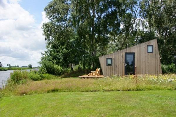 tiny house nederland friesland bijzondere overnachting