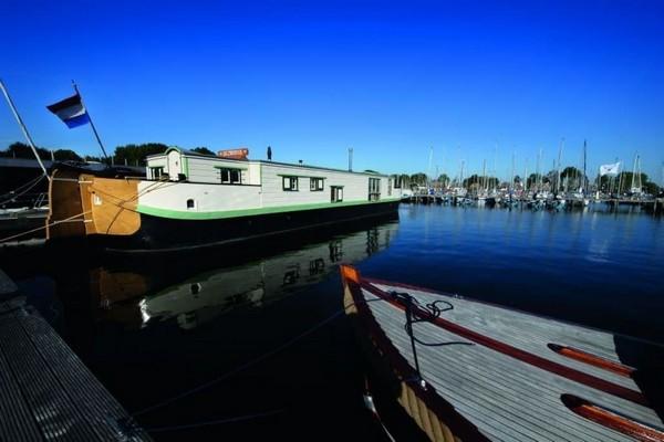 uniek overnachten boot amsterdam nederland