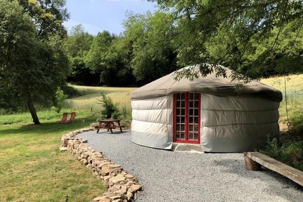uniek overnachten glamping Frankrijk yurt