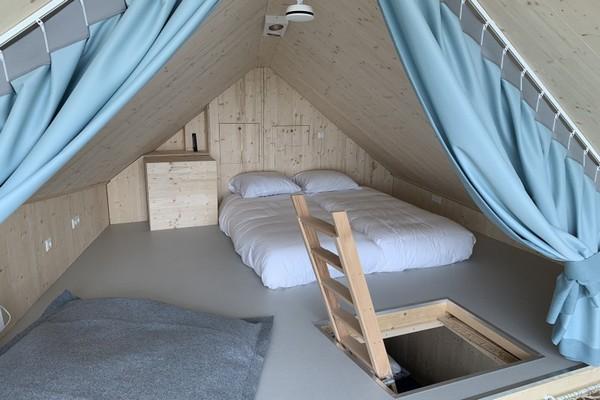 origineel overnachten tiny house veerse meer nederland
