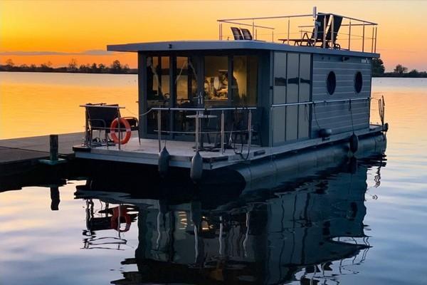 uniek overnachten boot belgie
