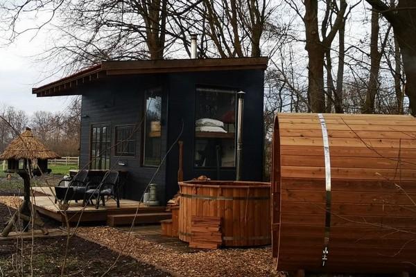 origineel overnachten tiny house belgie wellness