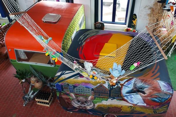 indoor camping hostel gent citytrip (2)