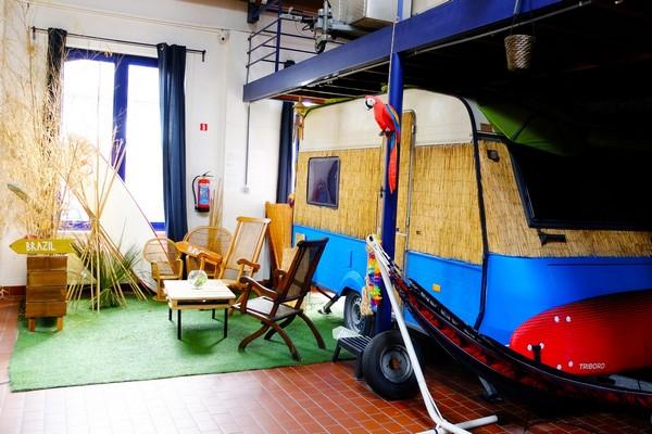indoor camping hostel gent citytrip (3)