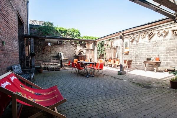 indoor camping hostel gent citytrip