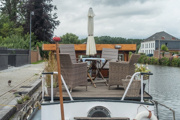 uniek overnachten boot belgie thuin