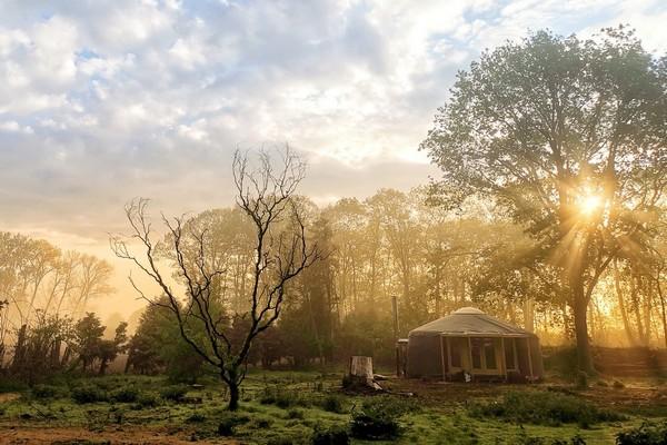 origineel overnachten belgie glamping yurt