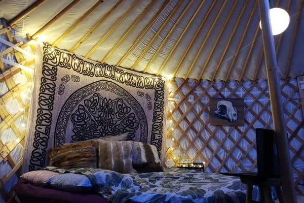 speciaal overnachten belgie glamping yurt (7)
